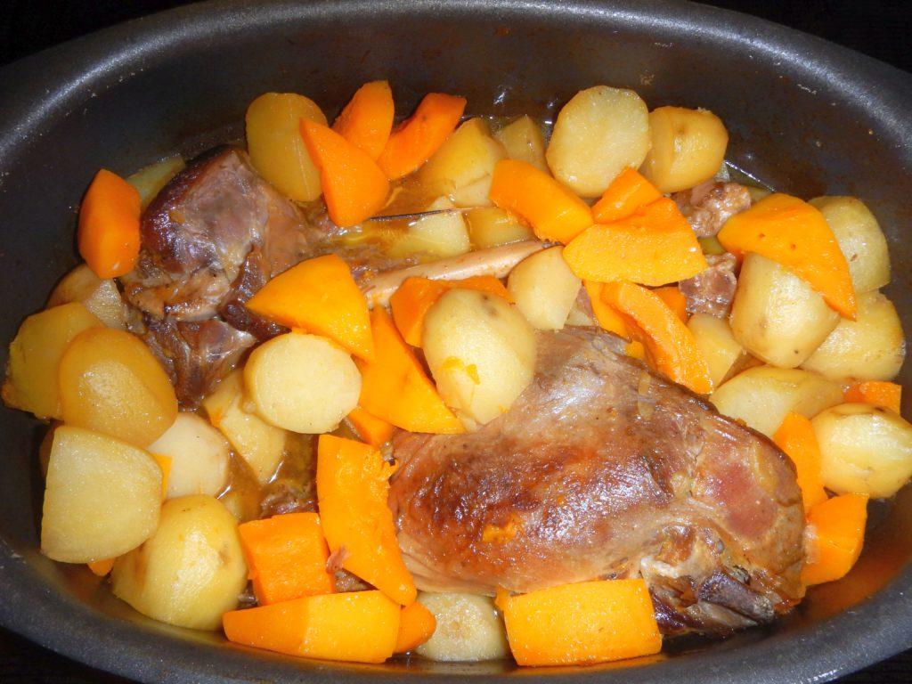 geschmortes Lamm mit Kartoffeln
